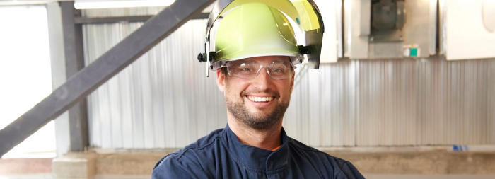 worker with safety hat